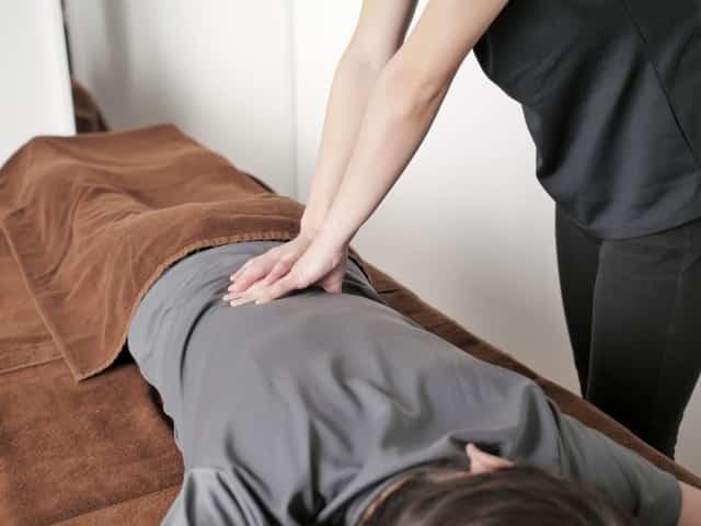 身体の状態に合わせ腰痛の根本原因から解消する施術です